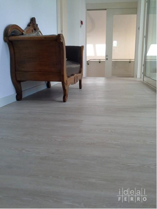 Pavimento vinilico effetto legno idealferro - Pavimento bagno effetto legno ...