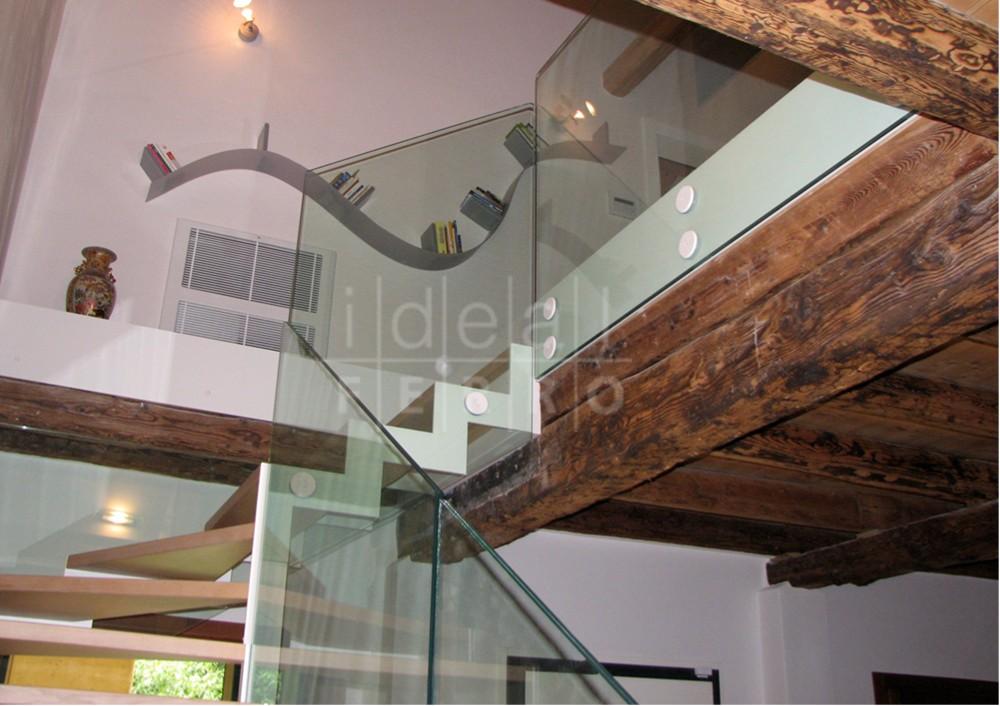 Scala autoportante in acciaio verniciato idealferro - Scale in vetro e acciaio prezzi ...