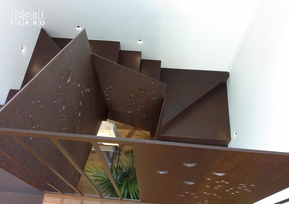 Scala da rivestimento in acciaio cor ten idealferro for Rivestimenti in acciaio e listelli di assi