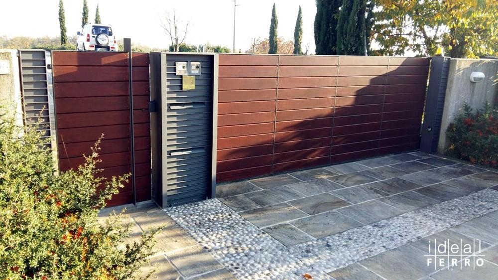 Doghe In Legno Per Cancelli : Cancello con doghe in legno idealferro