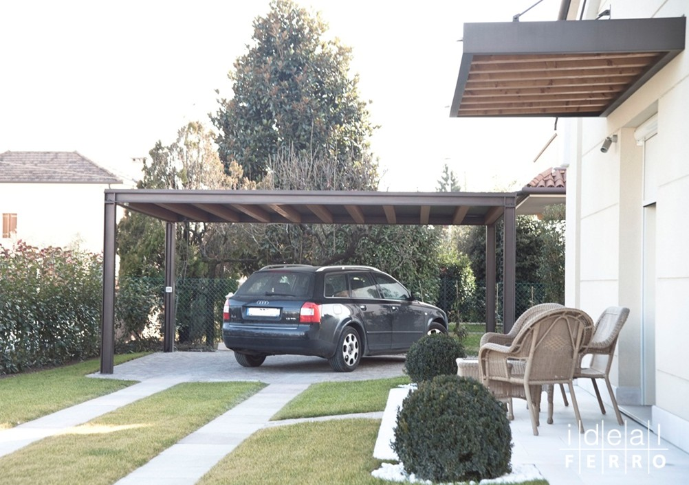 Pilastri in ferro per tettoie for Copertura auto richiudibile