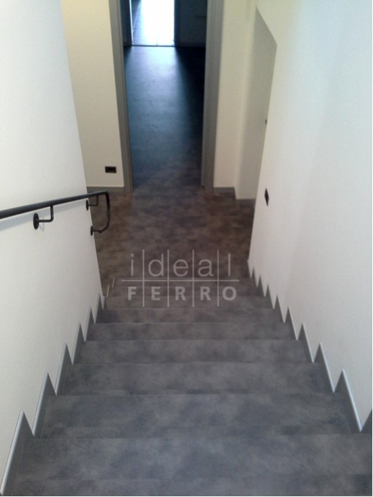 Bien connu Pavimento e scala in laminato Parqcolor - Idealferro BH21