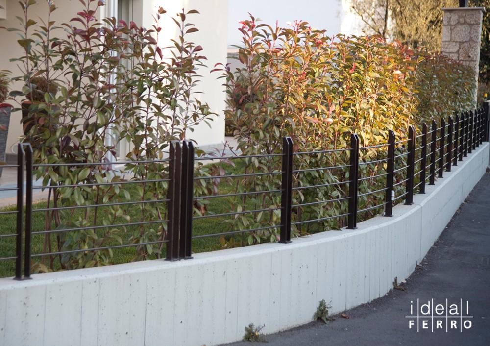 Recinzione sagomata idealferro for Divisori giardino ikea