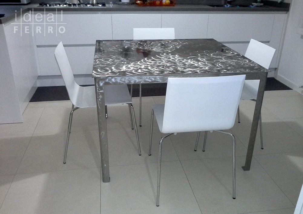 Tavolo in acciaio inox verniciato idealferro