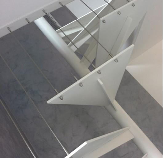 Scala in acciaio verniciato idealferro - Scale a chiocciola a pianta quadrata ...