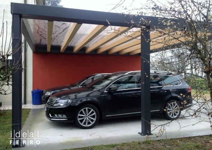 Carport con copertura in policarbonato for Kit per posto auto coperto
